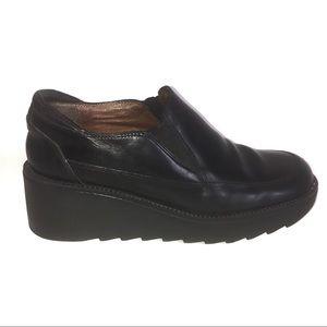 Donald Pliner Black Italian Leather Slip On Shoe 6